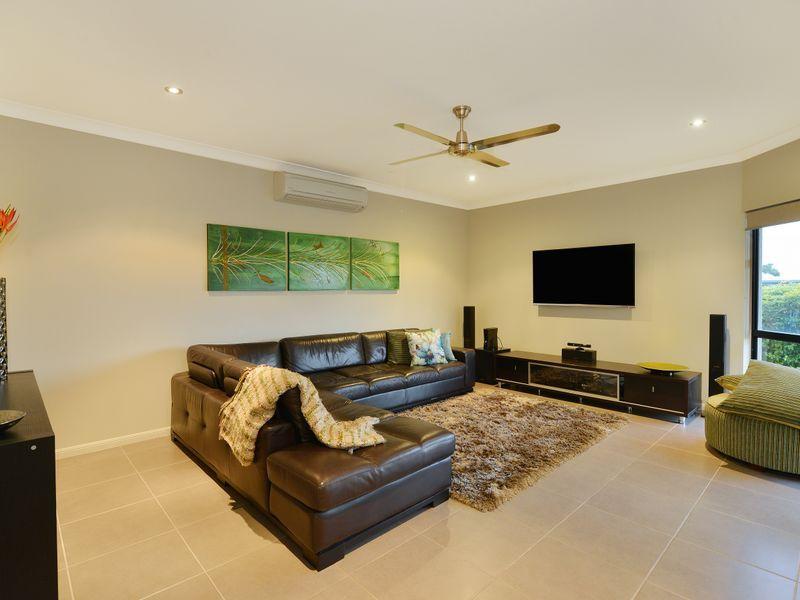14 Raffles  Avenue, Redlynch QLD 4870, Image 2
