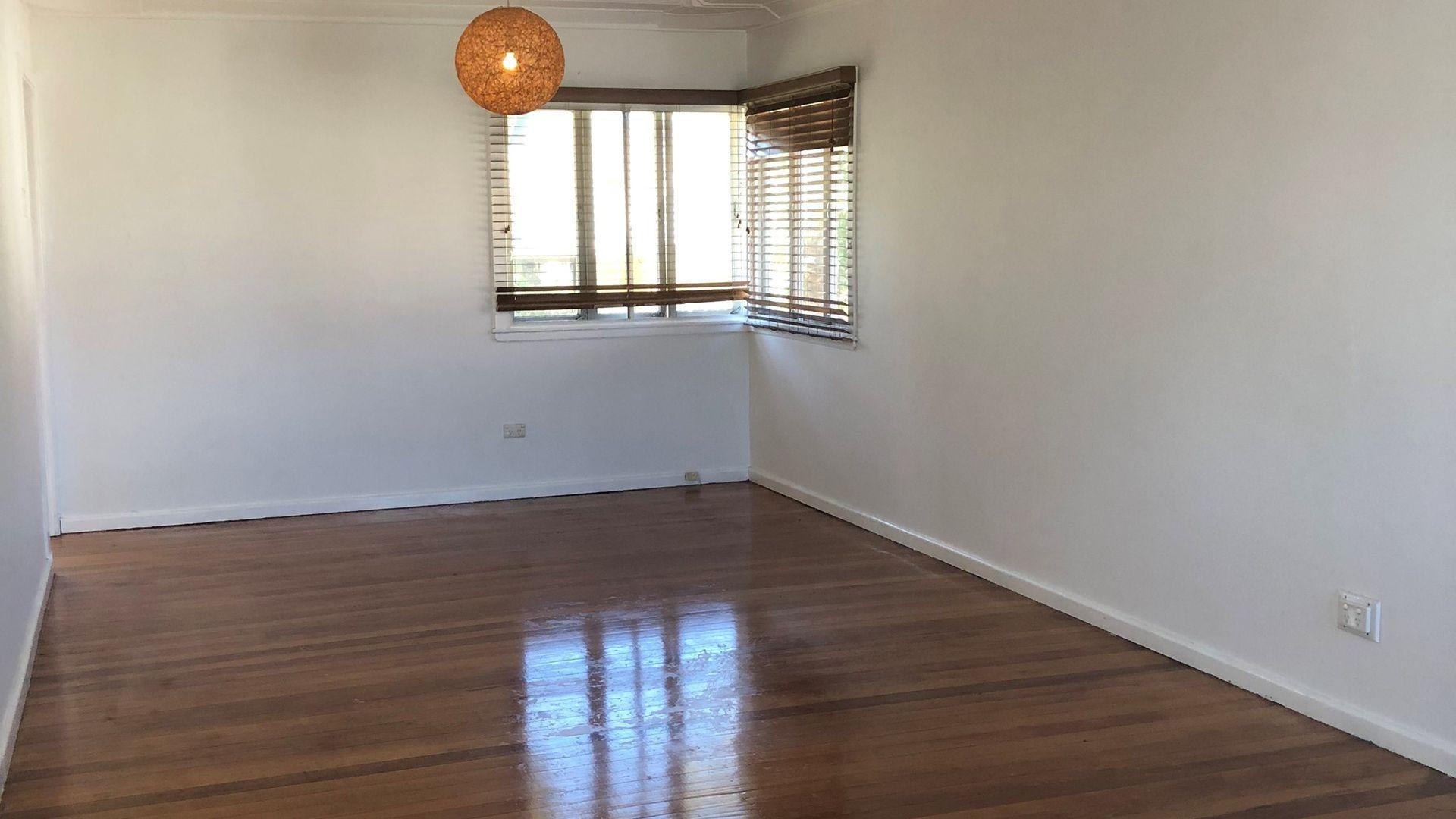 11 Humber Street, Salisbury QLD 4107, Image 2