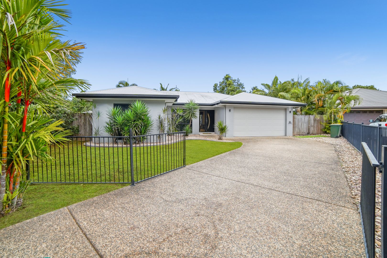 8 Lora Close, Bentley Park QLD 4869, Image 1