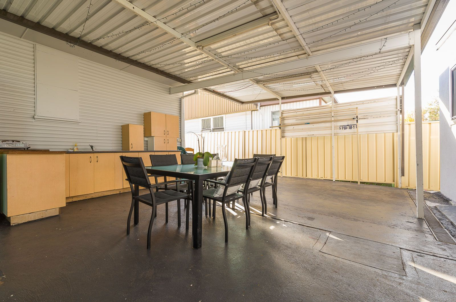 22 Van Dieman Crescent, Fairfield West NSW 2165, Image 2