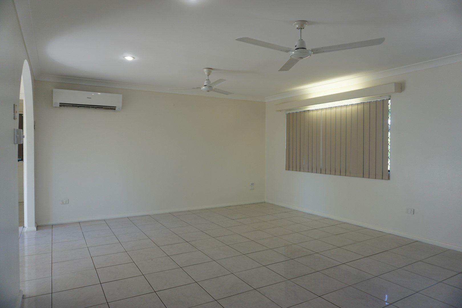 6 Oak Crescent, Bowen QLD 4805, Image 2