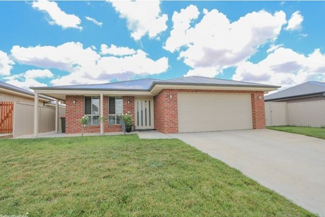 Picture of 11 Maxwell Drive, EGLINTON NSW 2795