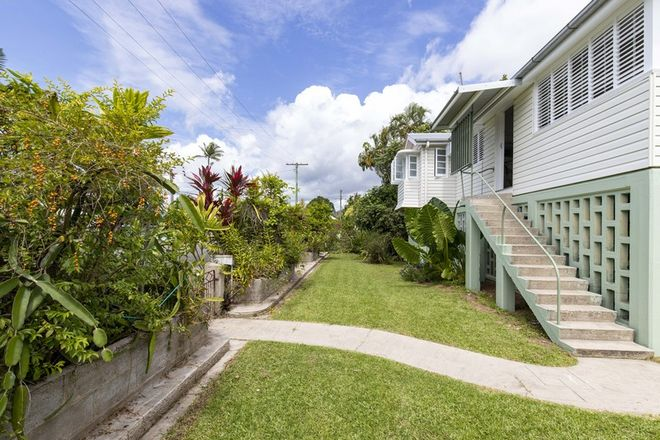 Picture of 2 Mullavey Street, MOSSMAN QLD 4873