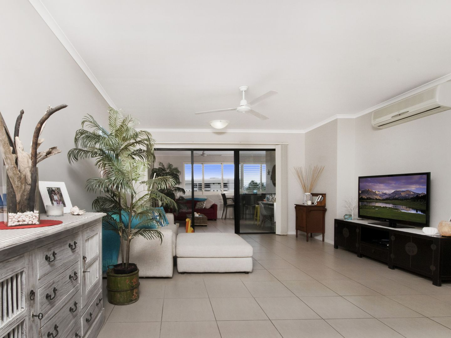 302/92-98 Digger Street, Cairns North QLD 4870, Image 0