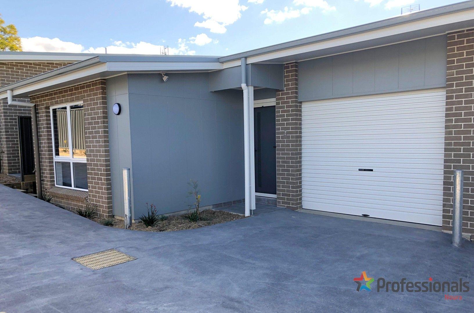 2/13 Burr Avenue, Nowra NSW 2541, Image 0