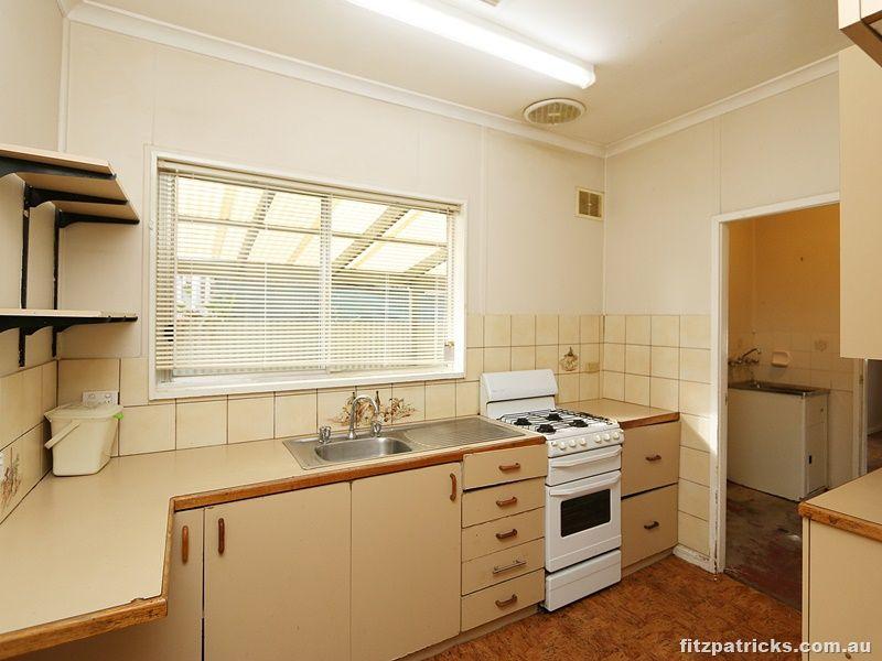 12 Castlereagh Avenue, Mount Austin NSW 2650, Image 1