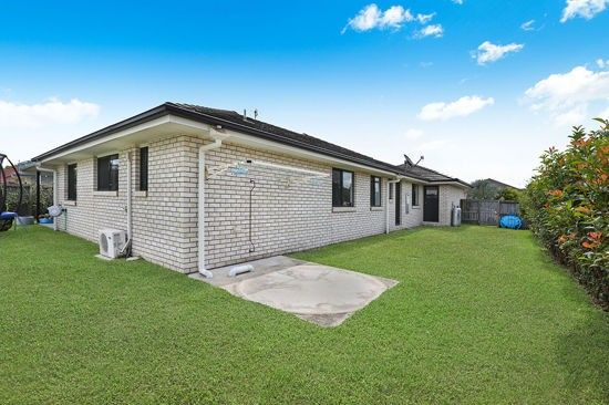 6 Cooloola Court, Little Mountain QLD 4551, Image 2