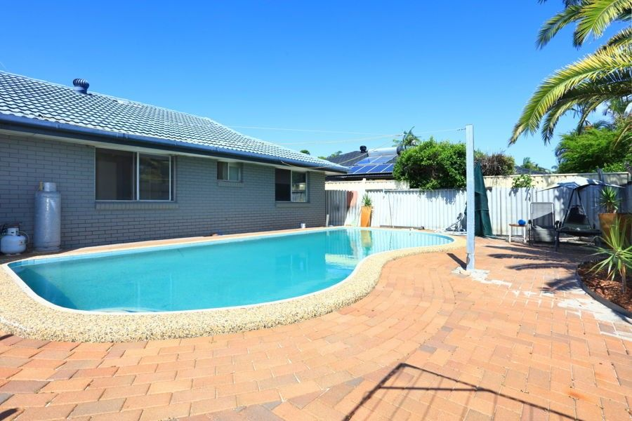 4 Sycamore Place, Palm Beach QLD 4221, Image 2
