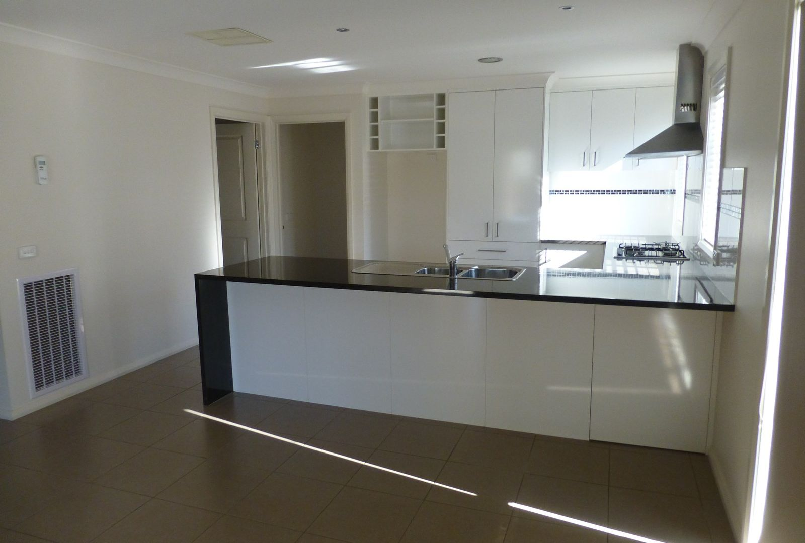 8 Grange Close, Wodonga VIC 3690, Image 1