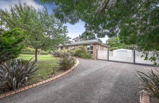 Picture of 15 Old Farm Way, Romsey VIC 3434