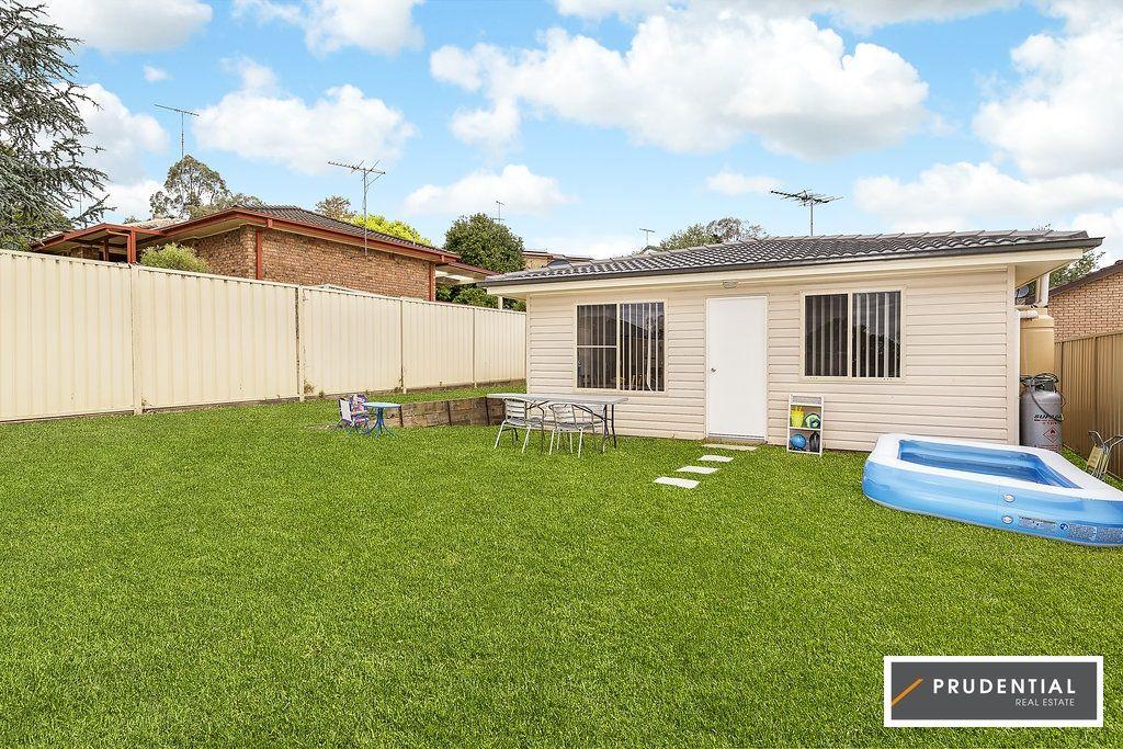 10 Crispsparkle Drive, Ambarvale NSW 2560, Image 2