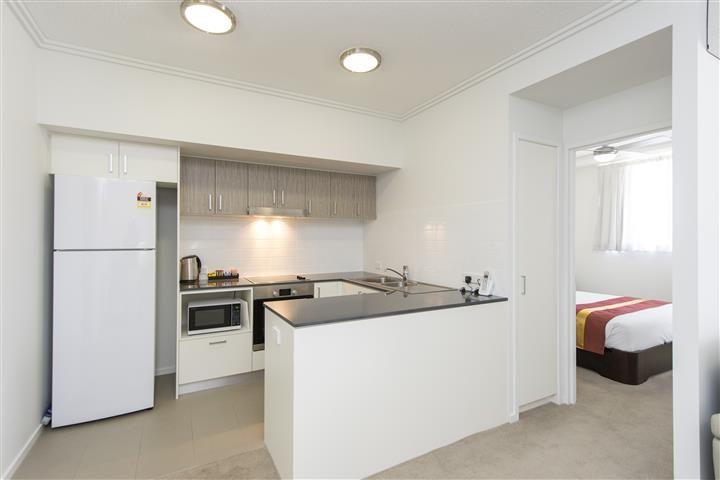 404/52 Oaka Lane, Gladstone Central QLD 4680, Image 1