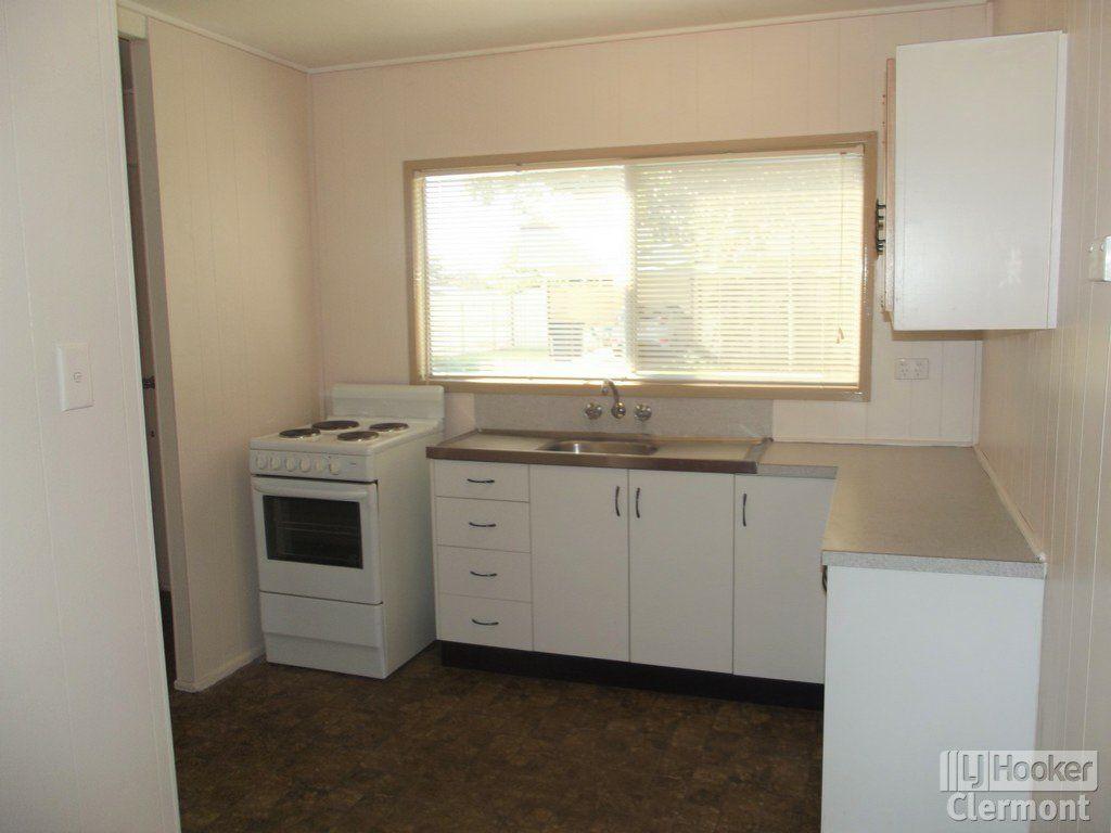 1 & 2/26 Kitchener Street, Clermont QLD 4721, Image 2