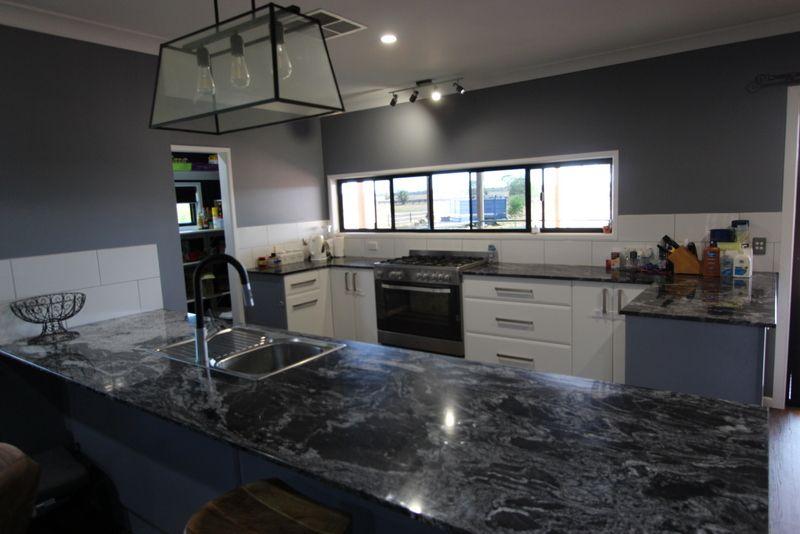 61 Eurella Street, Morven QLD 4468, Image 2