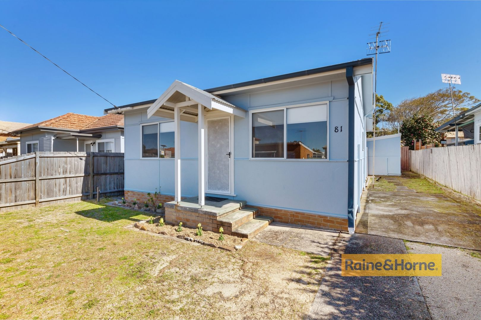 81a Barrenjoey Road, Ettalong Beach NSW 2257, Image 0