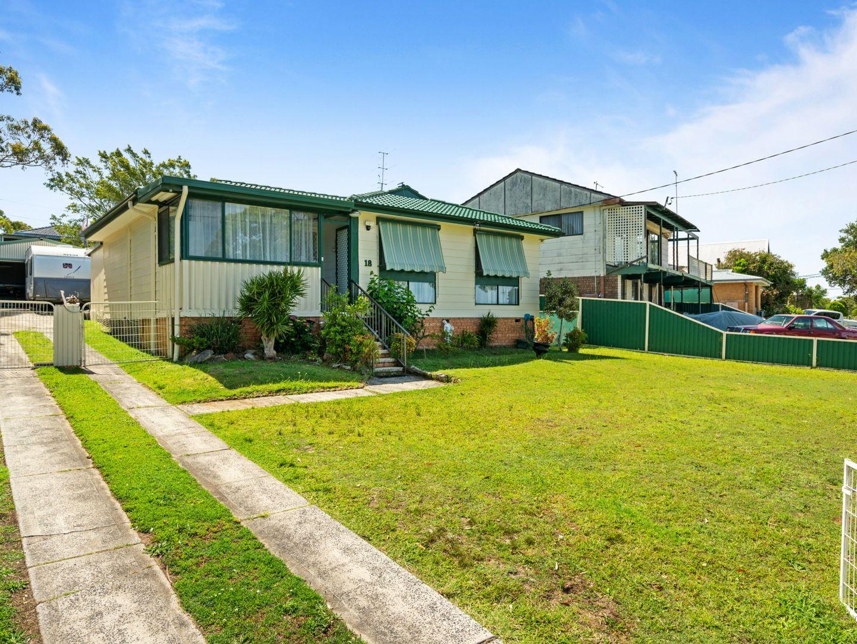 18 Alan Avenue, Charmhaven NSW 2263, Image 0