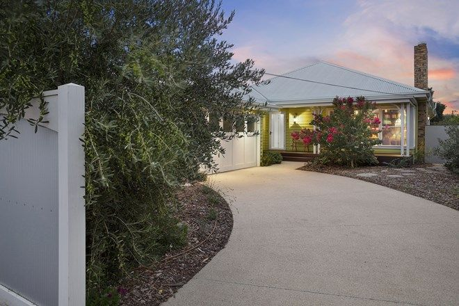 Picture of 5 Field  Avenue, EDITHVALE VIC 3196