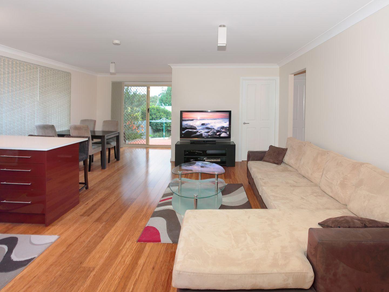 2/4 Flanders Avenue, Mount Kuring-Gai NSW 2080, Image 2