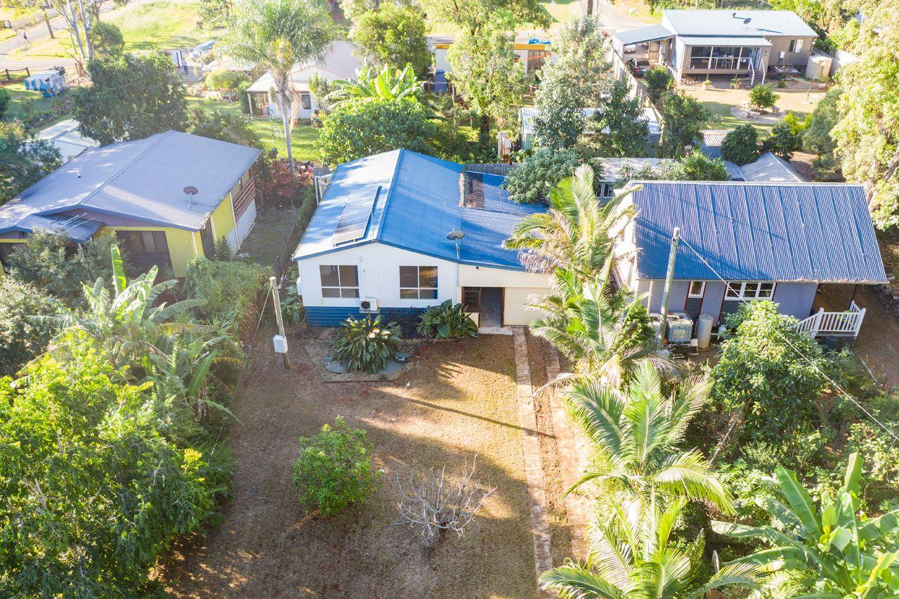 15 Conran St, Macleay Island QLD 4184, Image 2