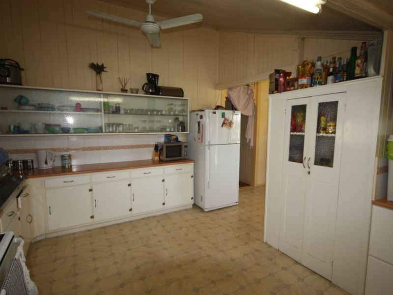 19 Eleventh Street, Home Hill QLD 4806, Image 2