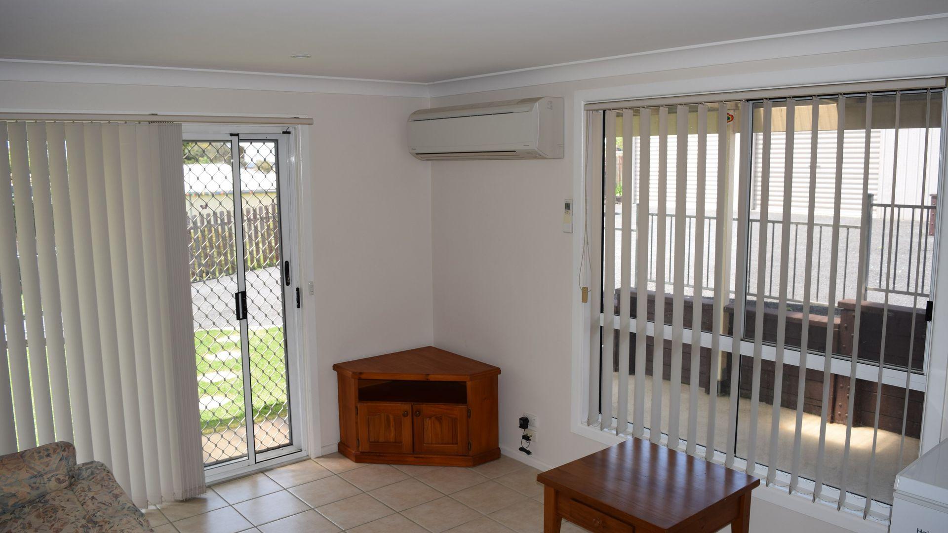 33 Malpas Street, Guyra NSW 2365, Image 2