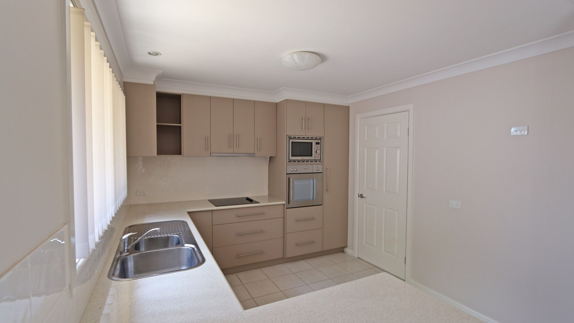 89-93 Winton Street - Unit 7, Tumbarumba NSW 2653, Image 2