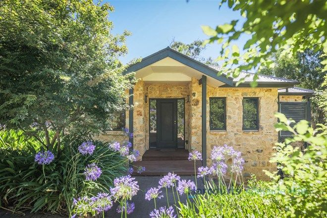 Picture of 17 Renown Avenue, CRAFERS WEST SA 5152