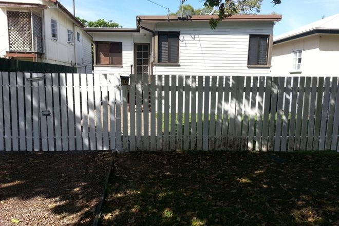 Picture of 24 McLennan Street, WOODY POINT QLD 4019