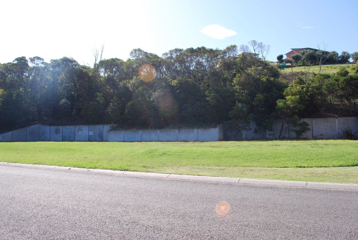 19A&B Golf Links Road, Lakes Entrance VIC 3909, Image 2