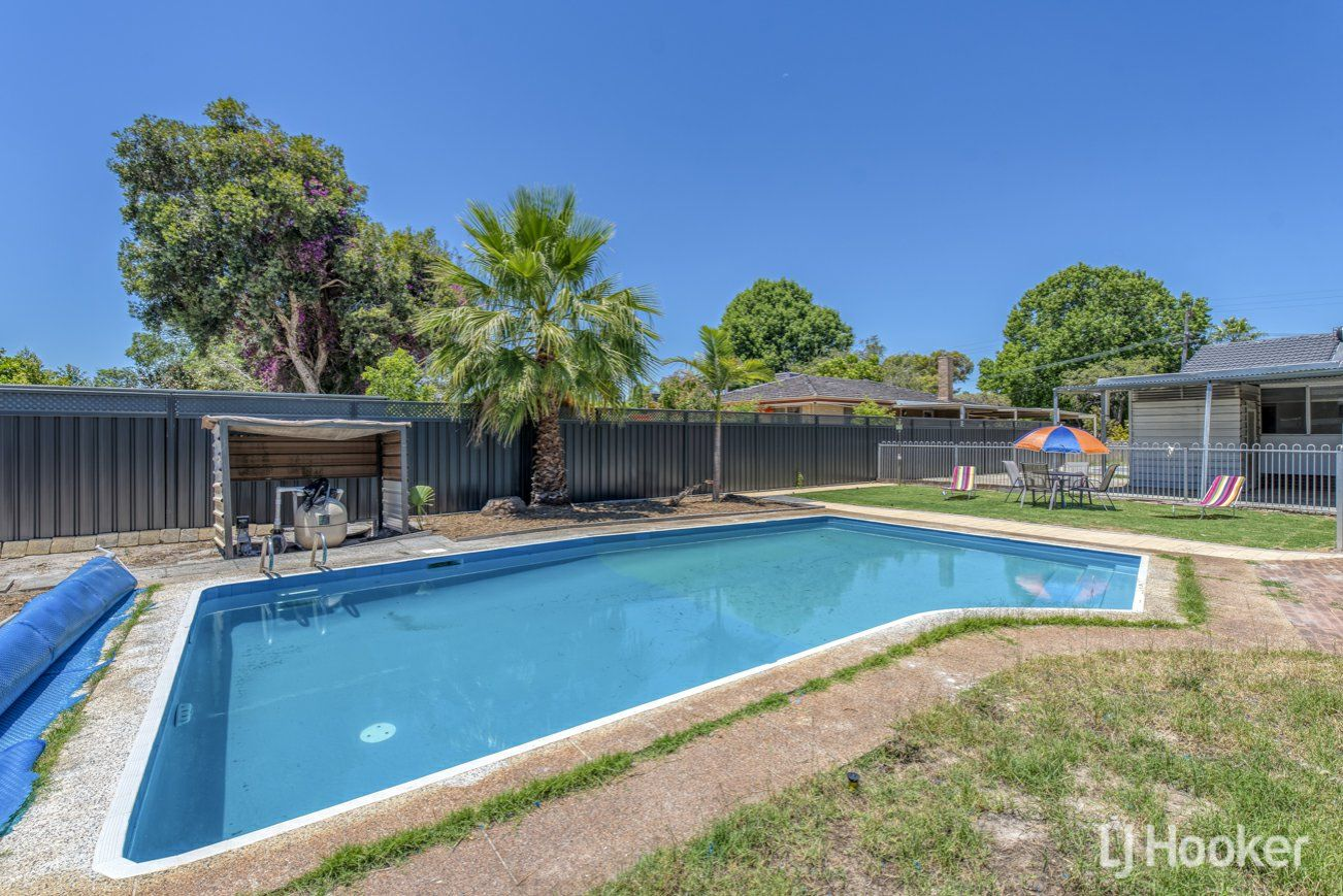 33 Coops Avenue, Thornlie WA 6108, Image 2