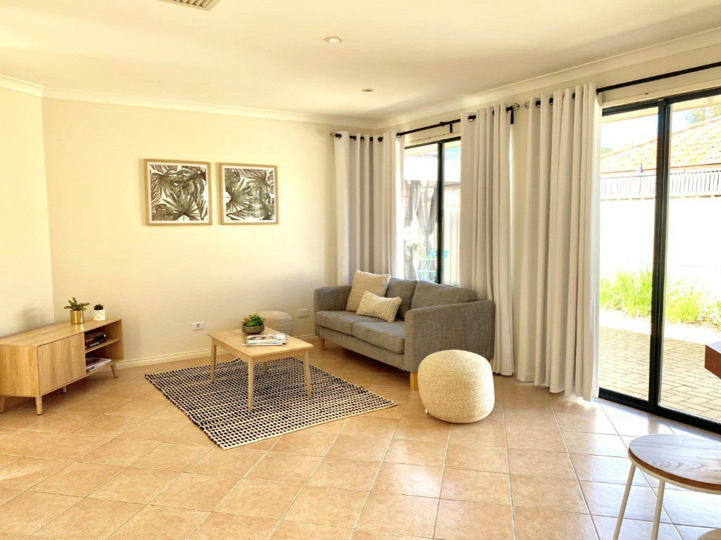 2/2 Summich Gardens, Coogee WA 6166, Image 2