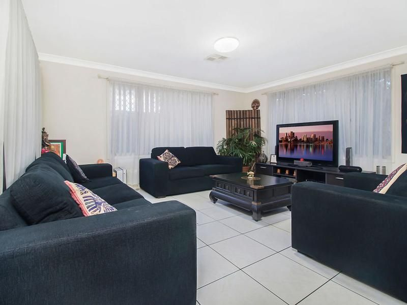 15 Rosewood Avenue, Prestons NSW 2170, Image 2