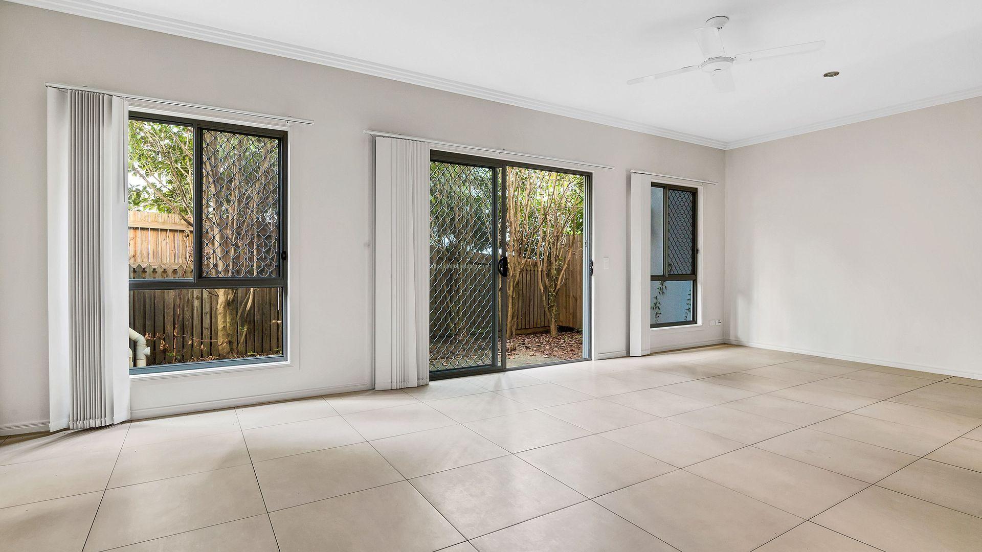7/12 Careel Close, Helensvale QLD 4212, Image 2