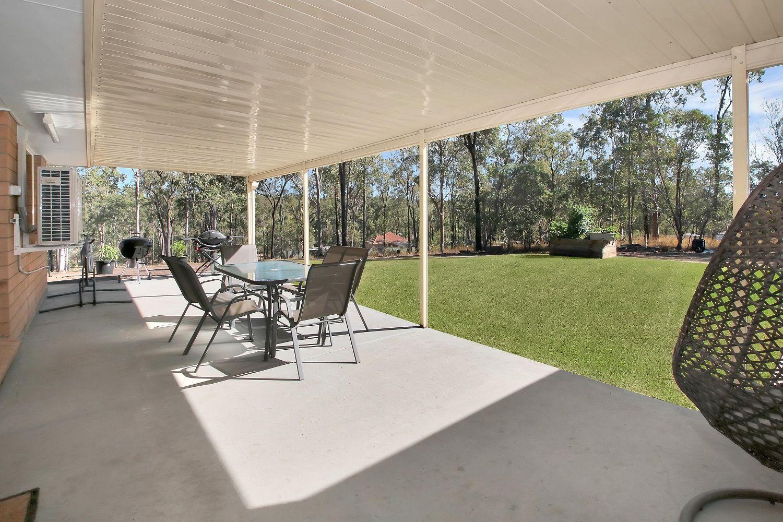 19 Bond Court, Kensington Grove QLD 4341, Image 2