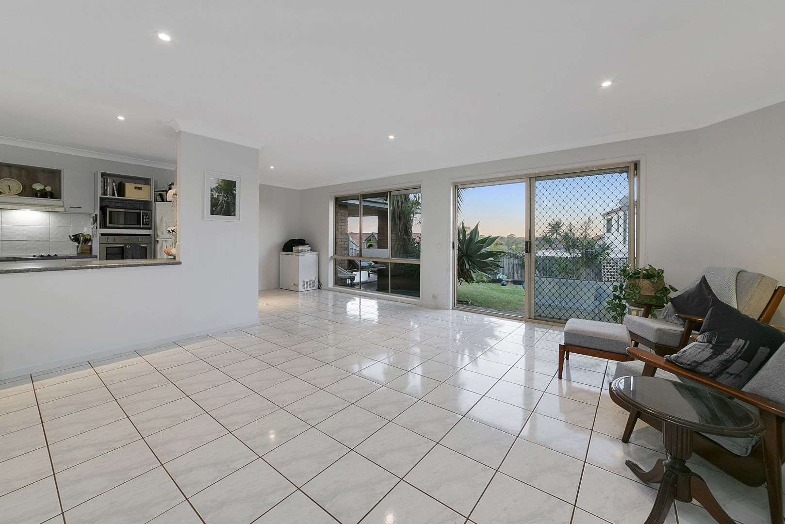 38 Chesterfield Crescent, Wellington Point QLD 4160, Image 2