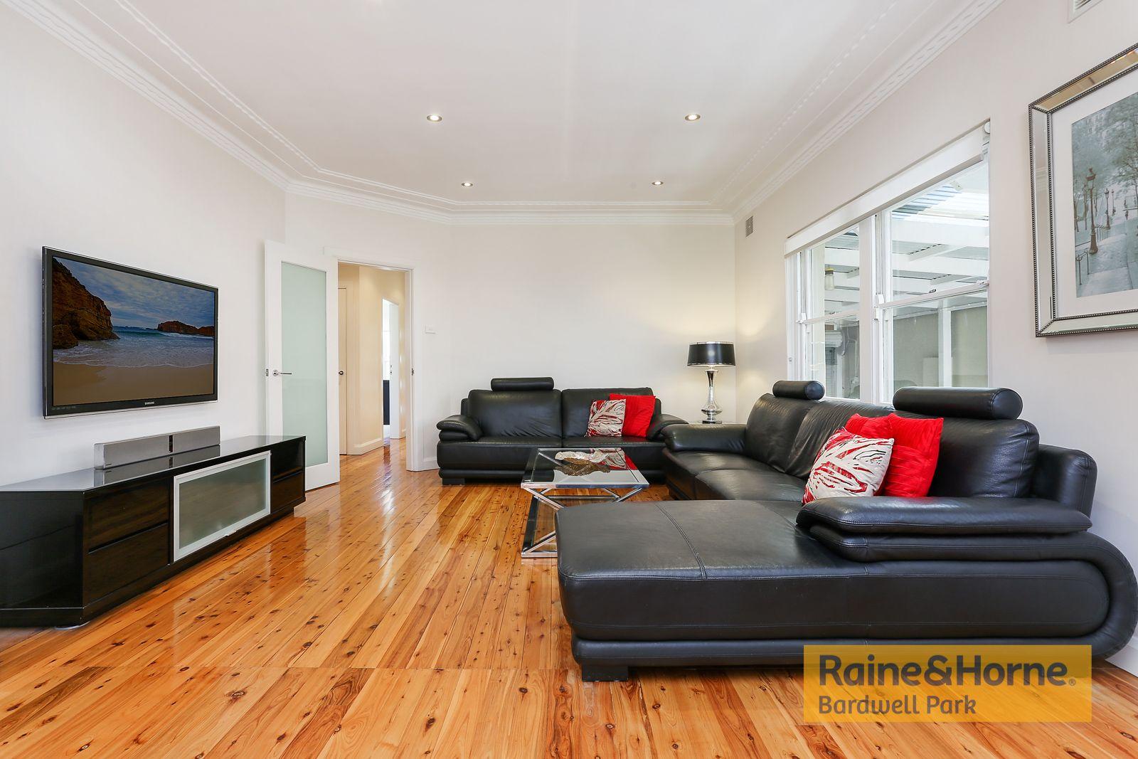 16 Turton Avenue, Clemton Park NSW 2206, Image 1