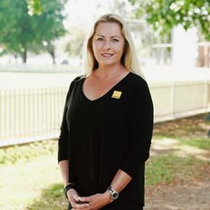Kay Perry, Sales Consultant