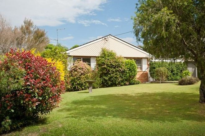 Picture of 10 West End Avenue, TAREE NSW 2430