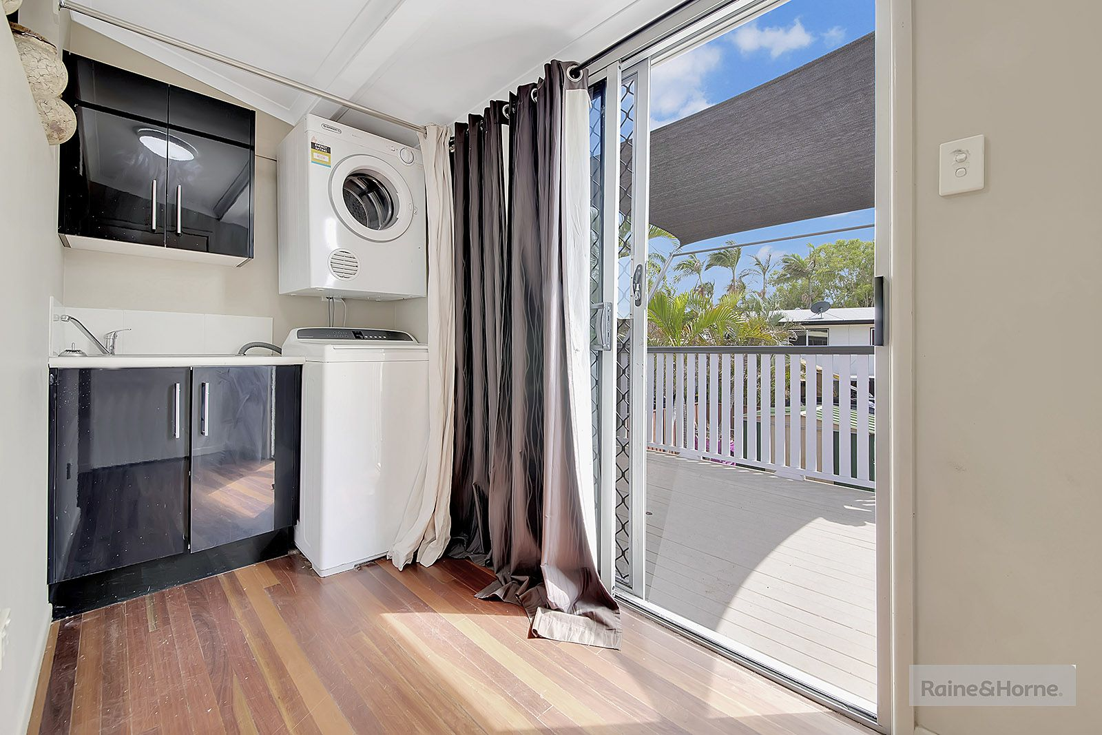 10 Duffy Street, Kawana QLD 4701, Image 2