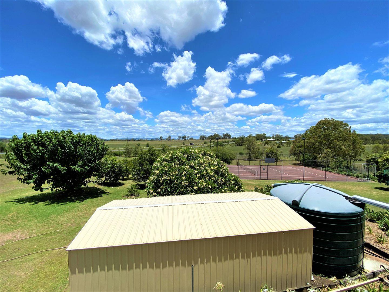 32 Deroydon Court, Adare QLD 4343, Image 2