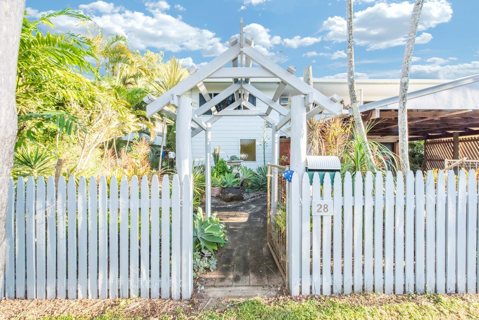 28 Robin Street, Slade Point QLD 4740, Image 1