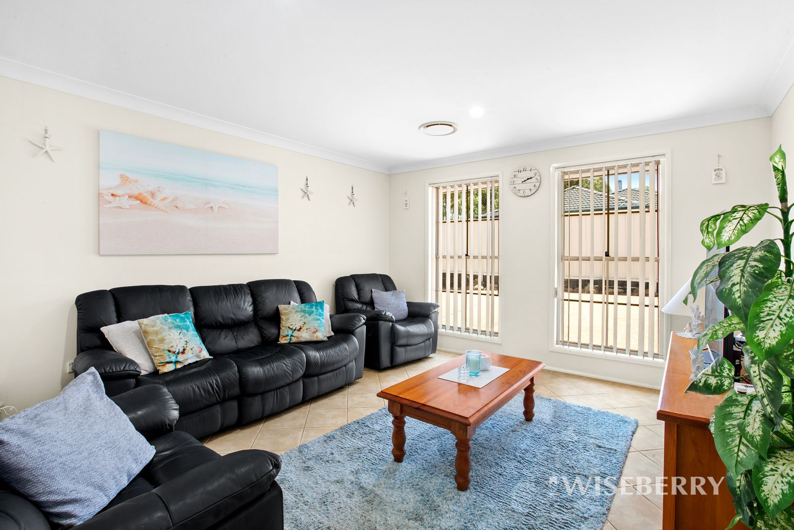 4 Coverdale Close, Lake Haven NSW 2263, Image 1