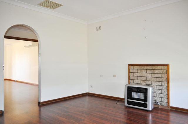 46 Ursula Street, Cootamundra NSW 2590, Image 2