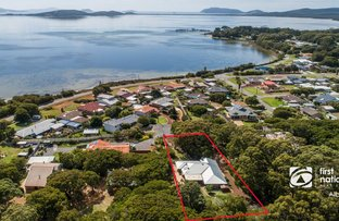 Picture of 19 King George Street, Little Grove WA 6330