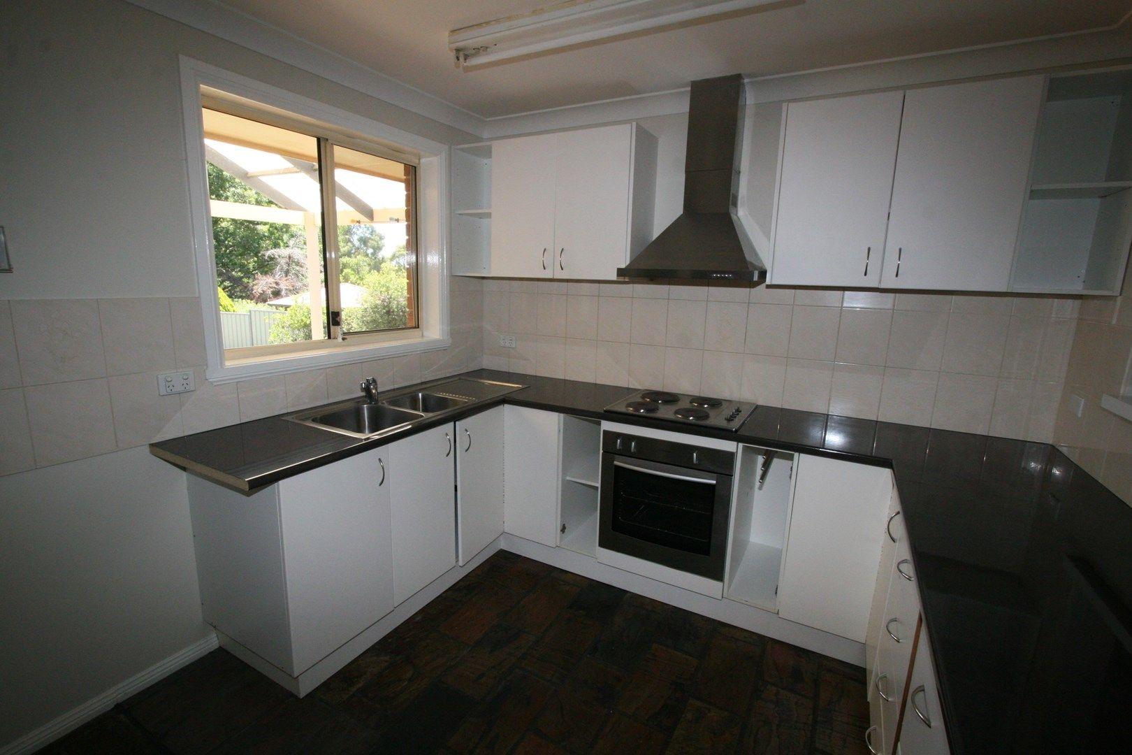 4 Bowyer Place, Orange NSW 2800, Image 0