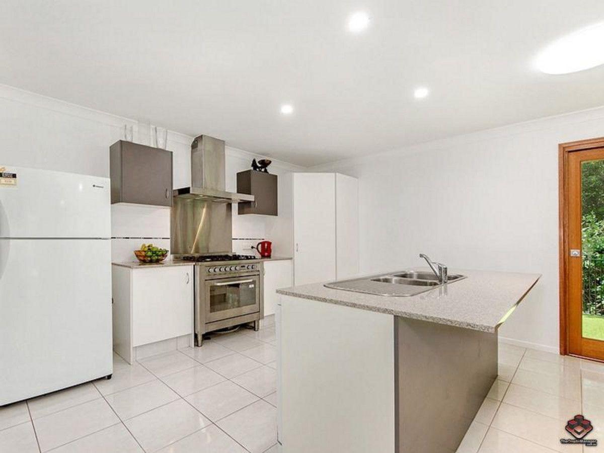 8 Lowe Court, Maudsland QLD 4210, Image 2