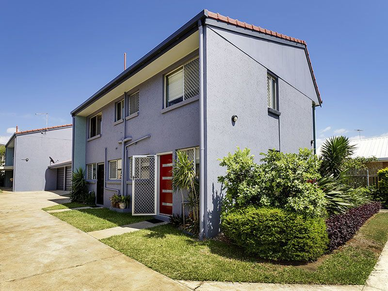 2/115 Prince Edward Parade, Scarborough QLD 4020, Image 0