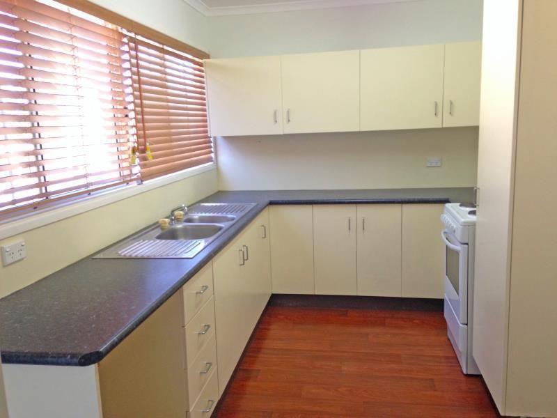 6 Spier Street, Biloela QLD 4715, Image 2