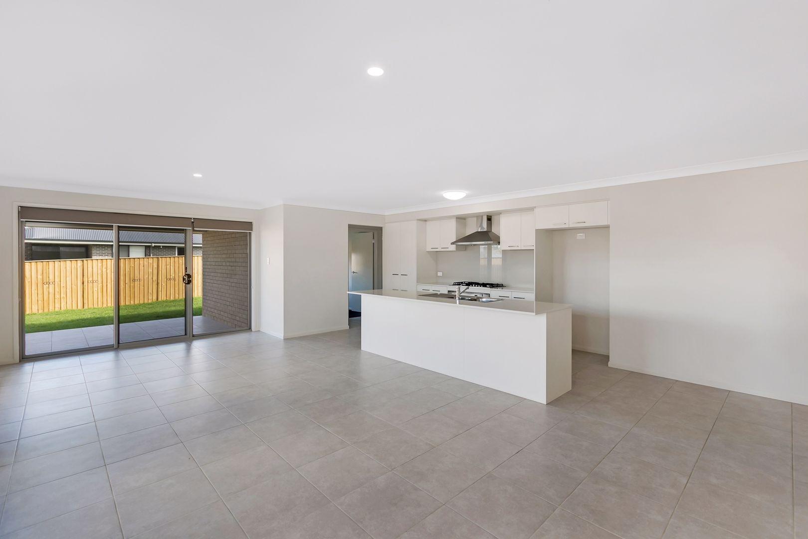 8 Flavum Street, Fletcher NSW 2287, Image 1