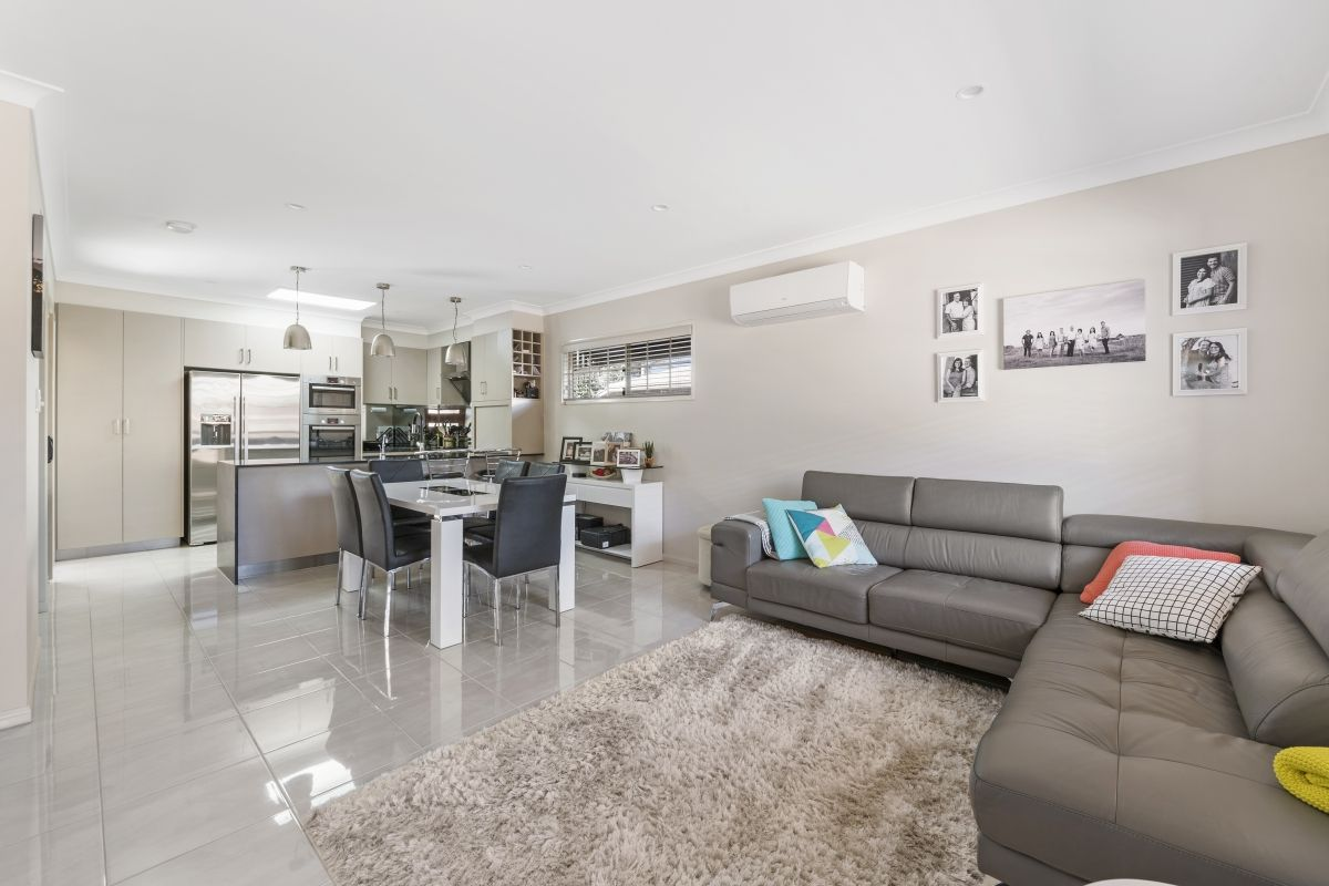 2/191a Alderley Street, Centenary Heights QLD 4350, Image 2